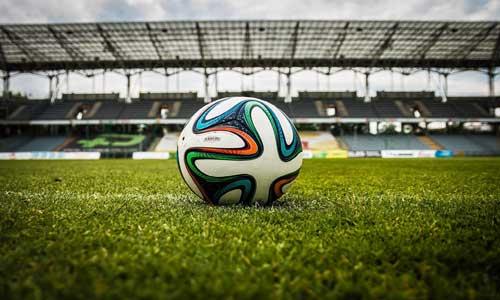 Футбольный контракт